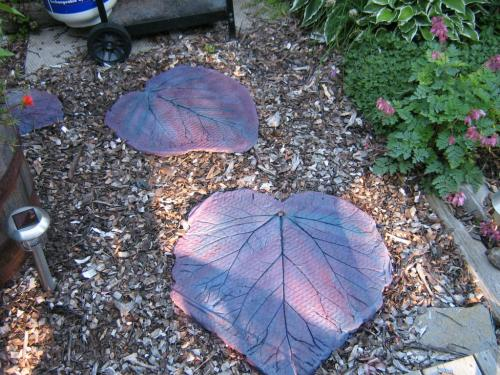 You Could Use Different Leaves Like Rhubarb Or Hosta From Your Gardens To  Make Stepping Stones.